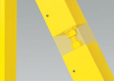 Das Regulierungselement ermöglicht bei der Montage ein zusätzliches Nivellieren des Flügels gegenüber dem Boden und während der Nutzung eine Korrektur dessen Lage.