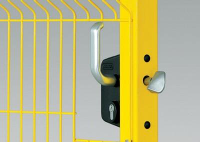 Das Schloß immanuellen Tor ist eine sichere und dauerhafte Absperrvorrichtung des von Hand zu öffnenden Tores. Es wird im Alu-Gehäuse angebracht.